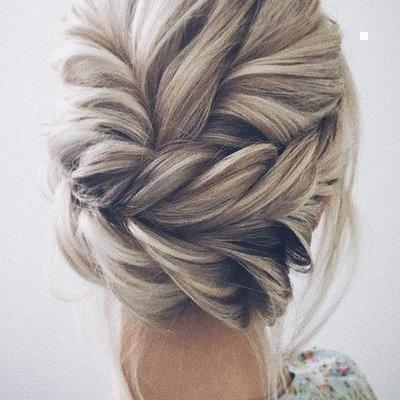 Beautiful updo weddi